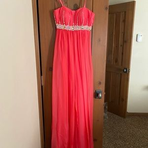 *NEVER WORN* La Femme strapless prom dress